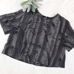 UO Silence + Noise Black & Gray Abstract Crop Top